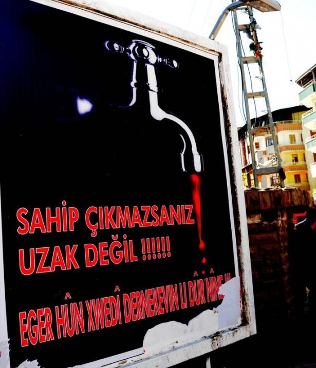 Van'daki Afişlerin Devamı Asıldı galerisi resim 1