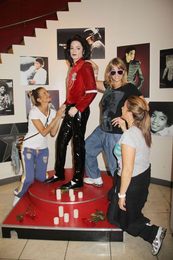 Michael Jackson'ın Gerçekci Balmumu Heykeli galerisi resim 1