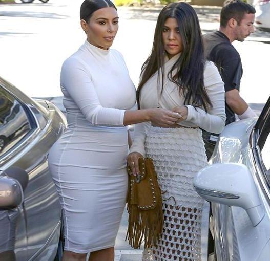 Kim Kardashian'ın Hamilelik Kıyafeti Yine Olay Oldu galerisi resim 1