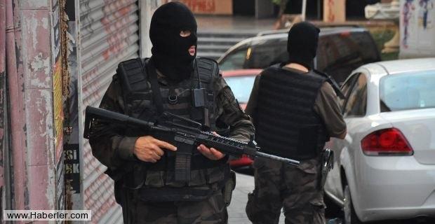 İstanbul'da 5 Bin Polisle Dev Operasyon: 1 Ölü galerisi resim 1