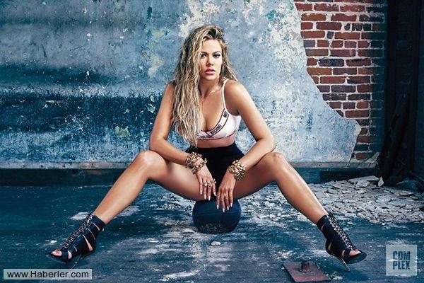 Khloe Kardashian'dan Çarpıcı Pozlar galerisi resim 1