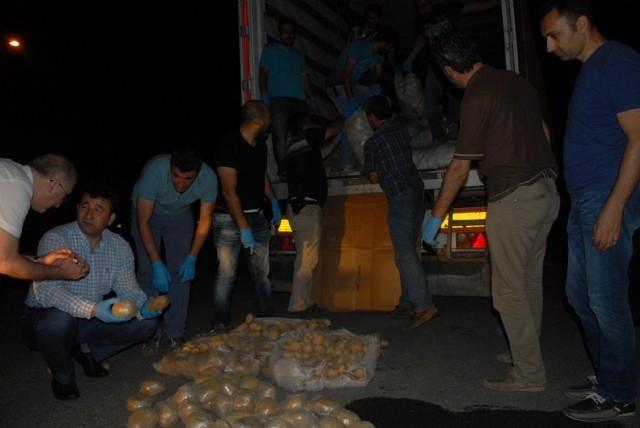 Patates Çuvallarının İçinden Çıkanlar Şok Etti! galerisi resim 1