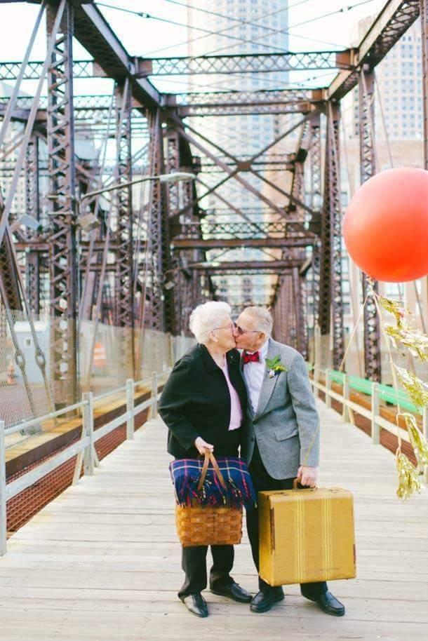 61 Yıllık Evli Tonton Çiftin Evlilik Yıldönümü Kutlaması galerisi resim 1