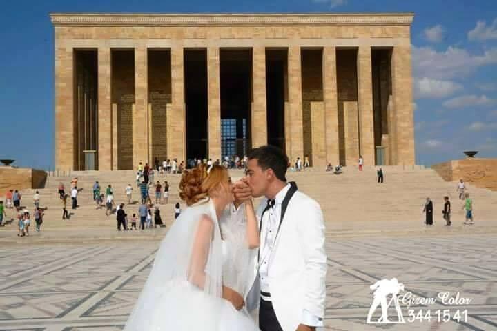Düğününü Anıtkabirde Fotoğraflandıran Çift galerisi resim 1