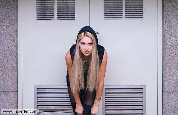 Ayda 65 Bin TL Harcayan Instagramın Zengin Kızı galerisi resim 1