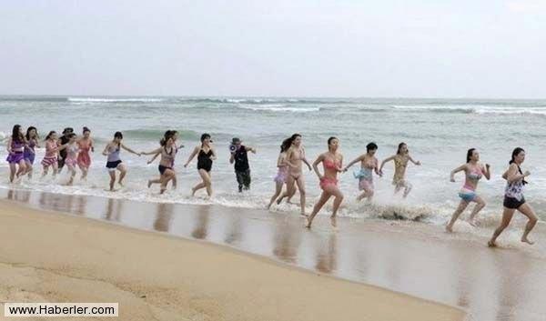 Çinli Kadınların Zorlu Güvenlik Eğitimi galerisi resim 1