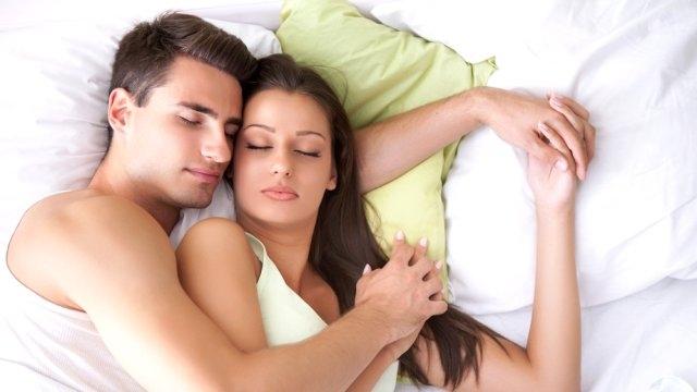 Uyku Pozisyonunuz İlişkinizin Rengini Belirliyor galerisi resim 1