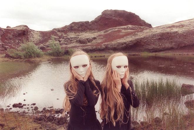 İzlandalı Minik İkizler Aynı Rüyayı Bile Aynı Görüyor galerisi resim 1