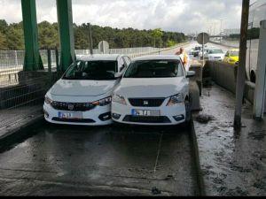 2 İnatçı Sürücü Aynı Gişeden Geçmek İsteyince Sıkışıp Kaldı