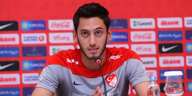 "Trabzonspor'dan Şok! Hakan Çalhanoğlu'na ""6 ay futboldan men"" davası"