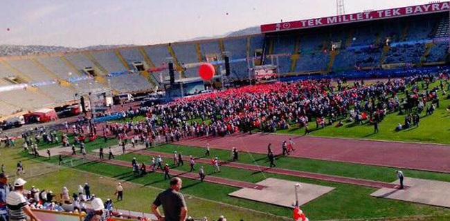 İzmir'de Toplu Açılışa Katılım Olmayınca...