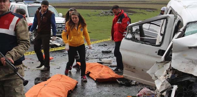 Katliam Gibi Kaza! 6 Ölü, 16 Yaralı