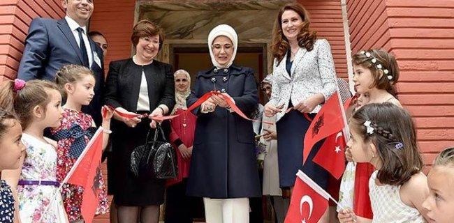 Emine Erdoğan Tiran'da Kreş Açılışına Katıldı