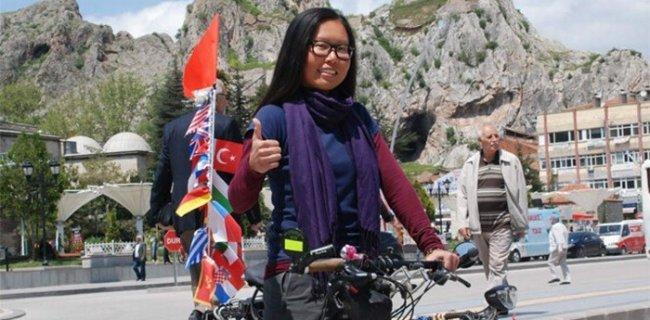 Kadın Maceracıdan Bisikletle Dünya Turu
