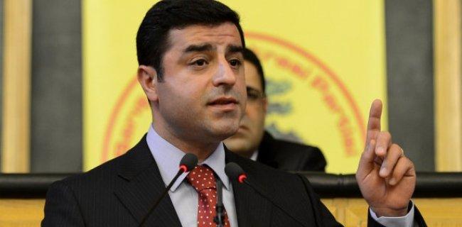 Demirtaş: PKK Kesinlikle Silah Bırakmalı