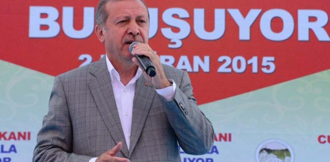 Erdoğan Mitingde AKP Sloganı Attırdı