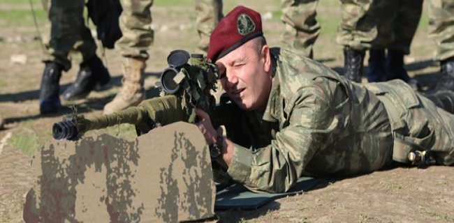 Özel Kuvvetler Komutanı Aksakallı'dan Suriye Sınırına Ziyaret