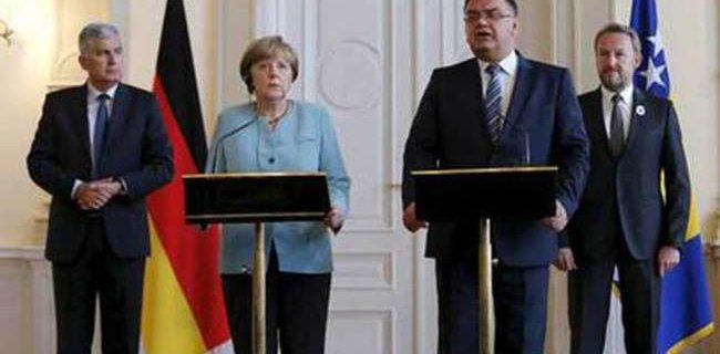 Merkel, Srebrenitsa İçin 'Soykırım' Dedi
