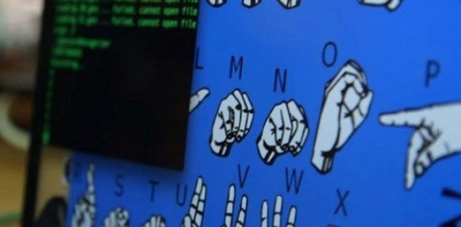 Lise Öğrencisinden İşaret Dilini Algılayan Akıllı Eldiven