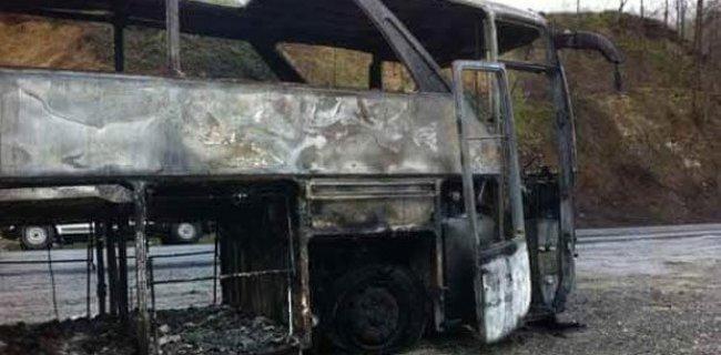 PKK'lılar Minibüs Taradı: 1 Ölü