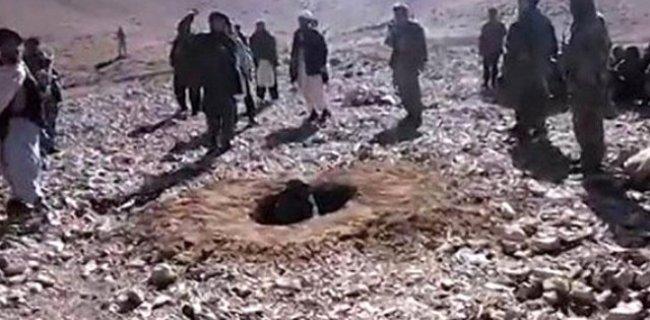 Afganistan'da Bir Kadının Taşlanarak Öldürülmesinin Yankıları Sürüyor