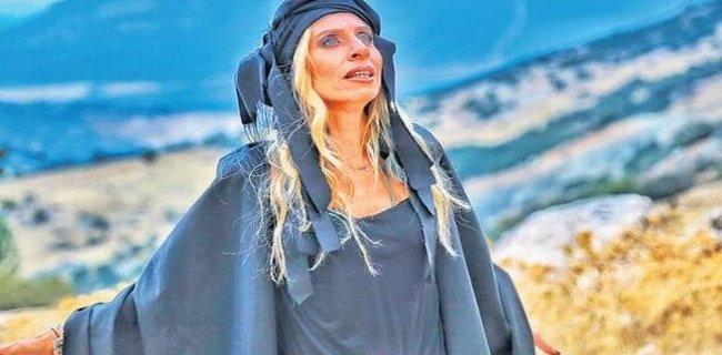 Zeynep Casalini 'Derviş' Oldu