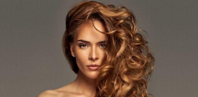 Saçlarda Bohem Dalgalar