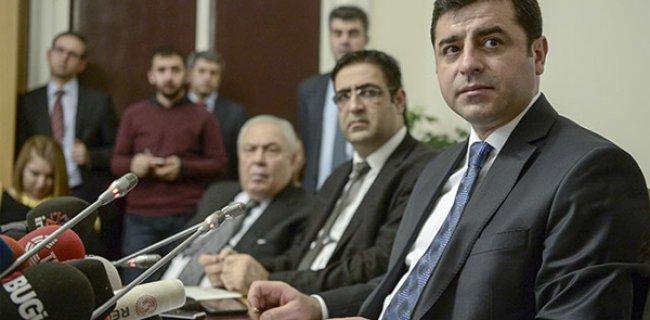 Demirtaş: Fırat'ın Batısını PYD'ye Bırakın