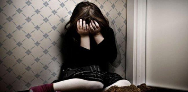 12 Yaşındaki Kızına Fuhuş Yaptıran Anne Tutuklandı