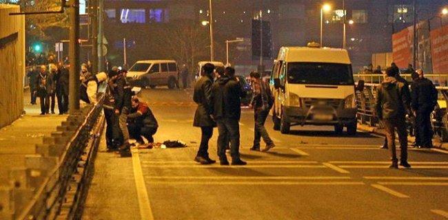 İstanbul'da Canlı Bomba Alarmı, Polis Bir Kişiyi Vurdu