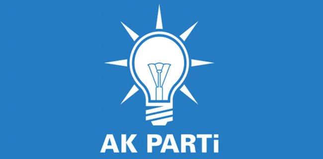 AK Parti'nin 5 İlçe Başkanı İstifa Etti