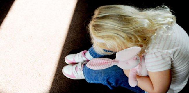 13 Yaşındaki Kıza, Öz Babası, Amcası ve Ağabeyi Tecavüz Etti İddiası