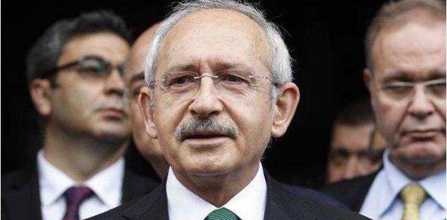 'Önüne Yatma' Geriliminde CHP'den AKP'ye Karikatürlü Yanıt
