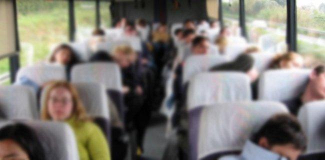 Metro Turizm Otobüsünde Rezalet: Muavin Uyuyan Yolcunun Yüzüne Boşaldı!