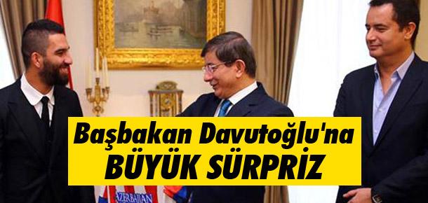 Arda ile Acun Ilıcalı'dan Başbakan Davutoğlu'na Sürpriz!