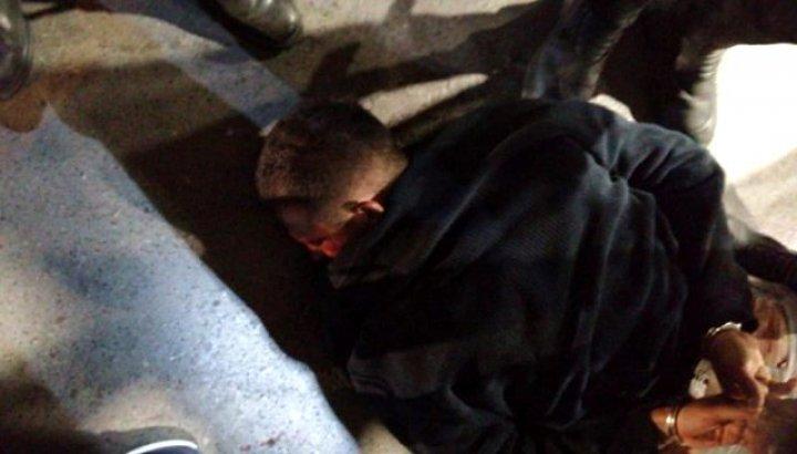 Beyoğlu'nda iki polisi yaralayan saldırgan hastanede hayatını kaybetti