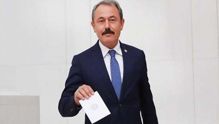 AKP'li vekilden skandal sözler: Kuru ekmek yiyorlarsa aç değiller