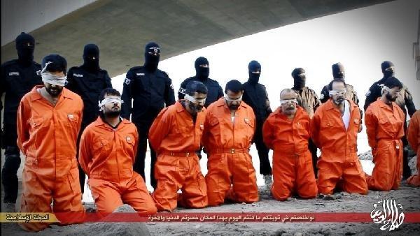 IŞİD 12 Irak'lıyı İnfaz Etti !
