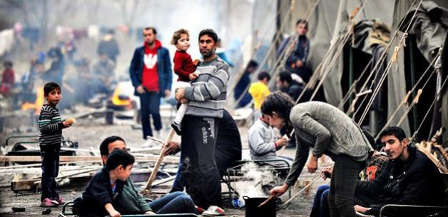 Türkiye Suriye'de Yaşayan Mültecilerede Bakıyor