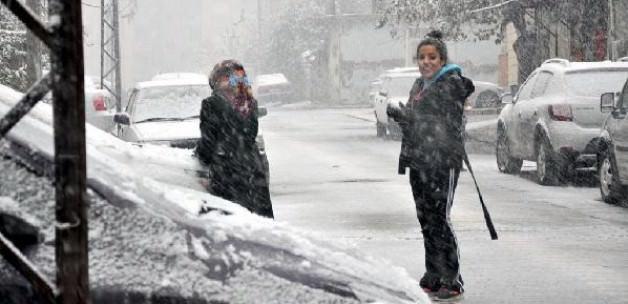Hatay'a 8 Yıl Sonra İlk Kar Yağdı