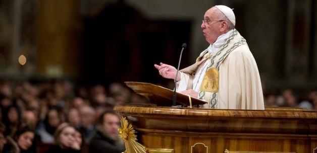 """Papa """"Düşünceyi ifade etmenin de sınırları vardır"""""""
