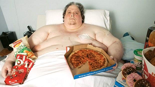 Dünyanın En Şişman Adamı 200 Kilo Verdi Zatürreeden Öldü