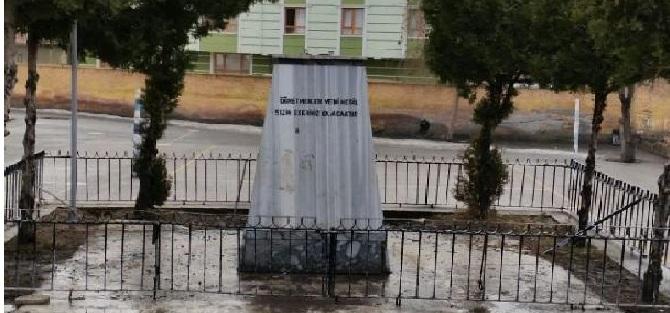 Ankara'da Atatürk Büstünü Çaldılar!