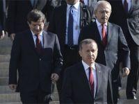 Siyasi Liderlerden Kayahan'a Taziye Mesajları