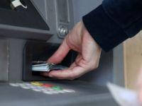 ATM'den Para Çekmek İsteyen Engelli Vatandaş Şok'a Uğradı