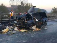 TIR'ın Çarptığı LPG'li Otomobildeki 2 Kişi Yanarak Öldü