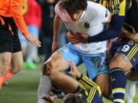 Sırbistan Basını: Türk Oyuncu, Milli Futbolcumuza Saldırdı!