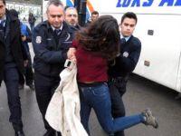 Telefonlarındaki Amblem Nedeniyle 2 Kişi Gözaltına Alındı