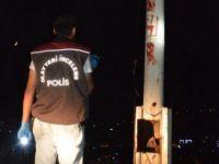 Türk Bayrağı'na Alçak Saldırı