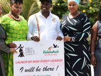 Turist çekmek için ülkenin kadınlarını 'pazarlayan' Turizm Bakanı eleştirilerin hedefi oldu